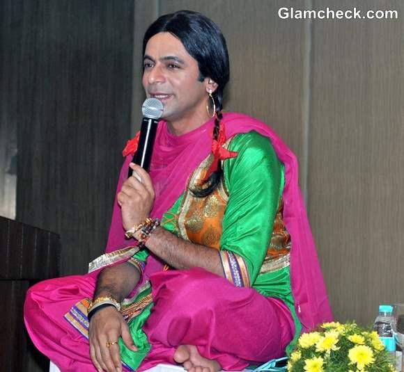 Sunil Grover Promotes New Show Mad In India as Chutki in Delhi
