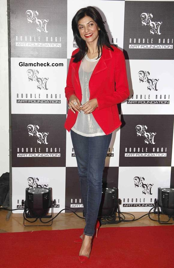 Sushmita Sen in Bold Red Blazer at Rouble Nagi Painting Exhibition