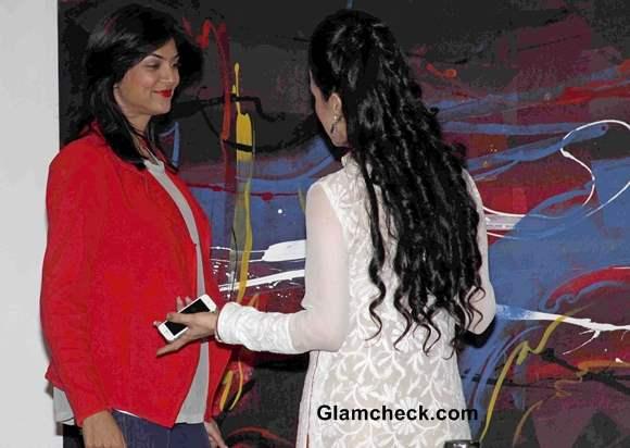 Sushmita Sen in Red Blazer at Rouble Nagi Painting Exhibition 2014