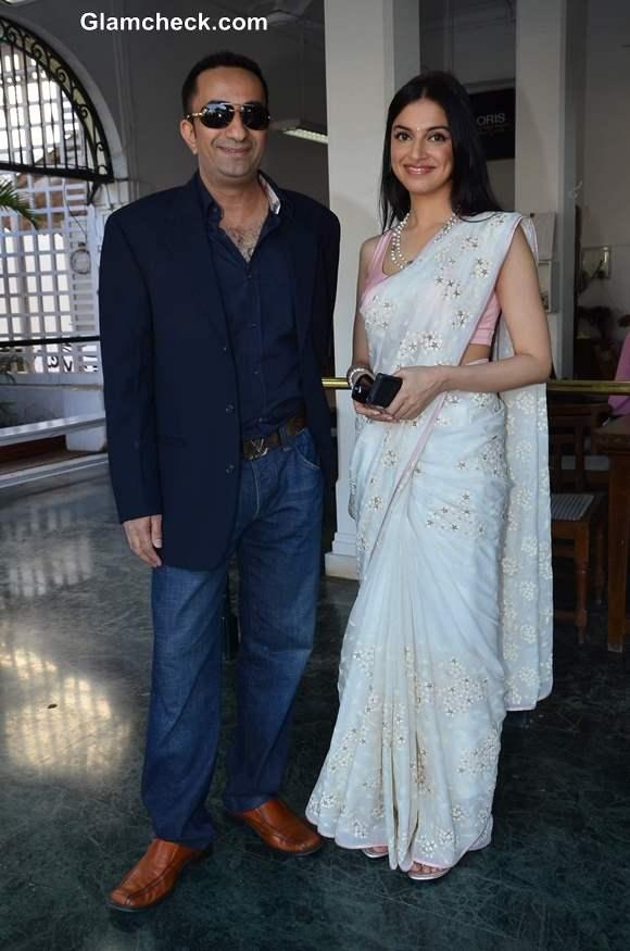 Yaariyan cast Head to Mumbai Turf Club