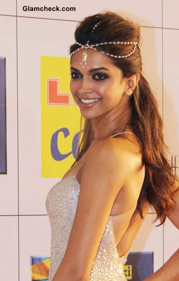 Deepika Padukone Hairstyle at 2014 Zee Cine Awards