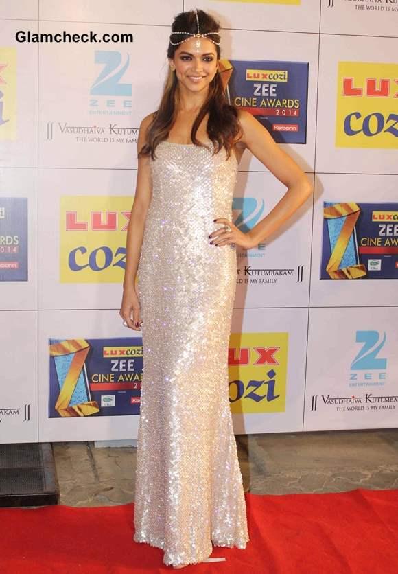 Deepika Padukone at 2014 Zee Cine Awards