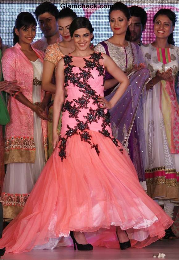 Genelia DSouza Walk the Ramp at Silk Mark Bridal Extravaganza 2014