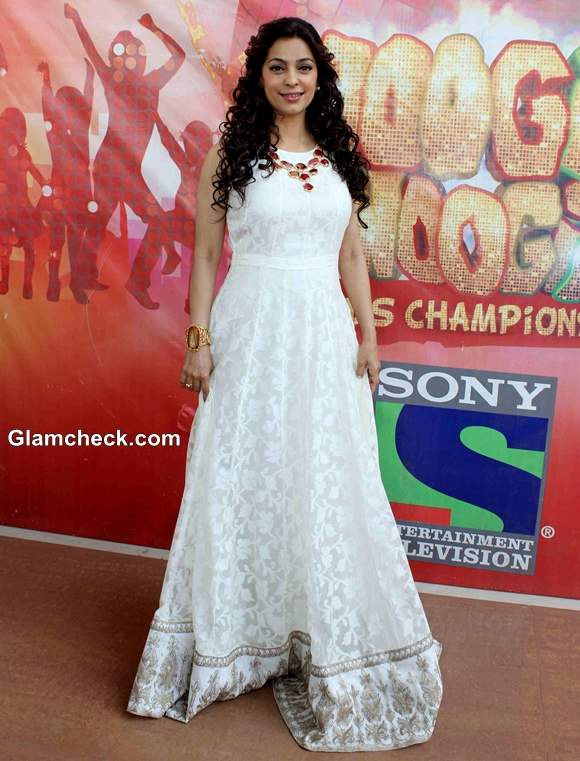 Juhi Chawla Promotes Gulaab Gang on the Sets of Boogie Woogie