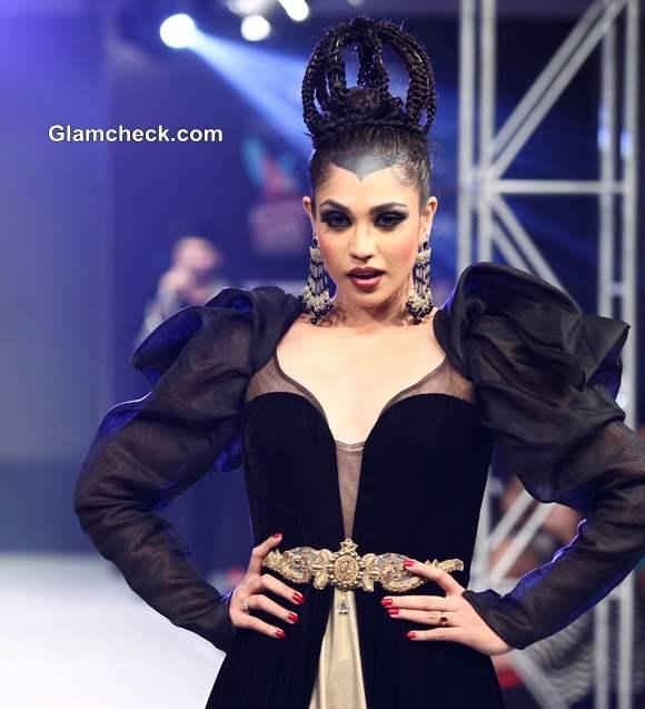 Kingfisher Ultra Bengal Fashion Week 2014 Jaya Mishra Gaja Gamini Collection