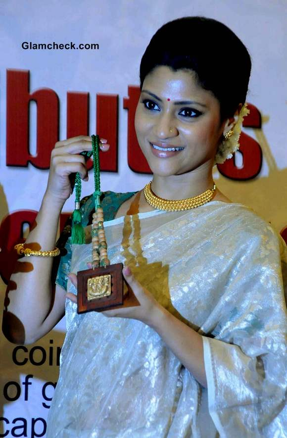 Konkona Sen Sharma Launches Gold Collection