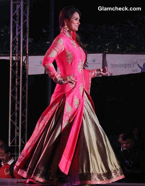 Lara Dutta 2014 Save and Empower Girl Child Event by Walking the Ramp