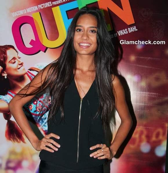 Lisa Haydon 2014 in Salwaar Kameez at Queen Promotions