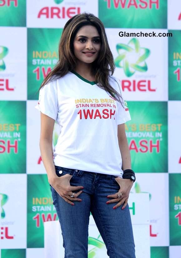 Madhoo Shah at 2014 Ariel Event