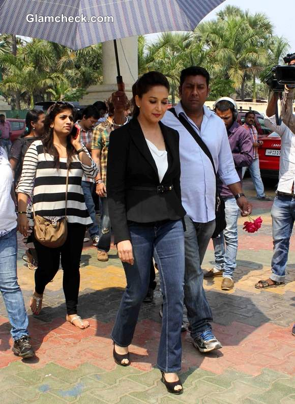 Madhuri Dixit Promotes Gulaab Gang at Boogie Woogie
