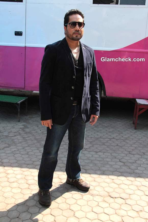 Mika Singh 2014 TV Debut in FIR