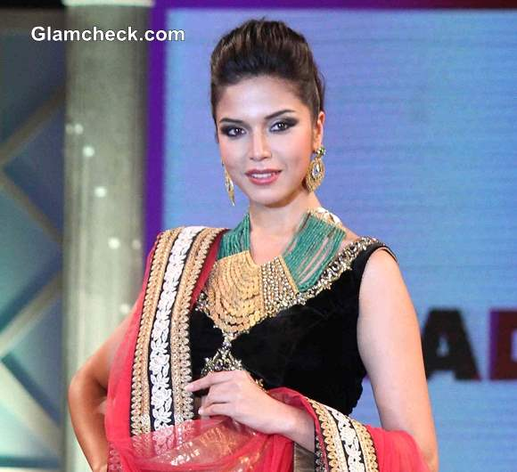 Miss Indian Diva 2013 Manasi Moghe a