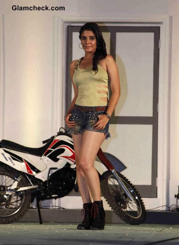 Pooja Gor Fear Factor - Khatron Ke Khiladi Season 5