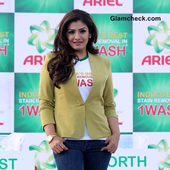 Raveena Tandon at 2014 Ariel Event