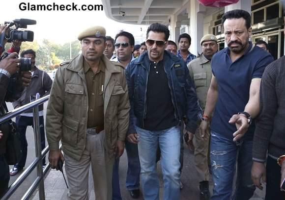 Salman Khan Appears in Jodhpur Court for Blackbuck Case Hearing 2014