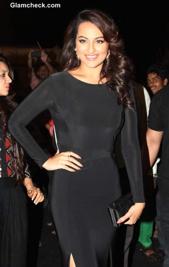 Sonakshi Sinha 2014 in Snug Black Evening Gown