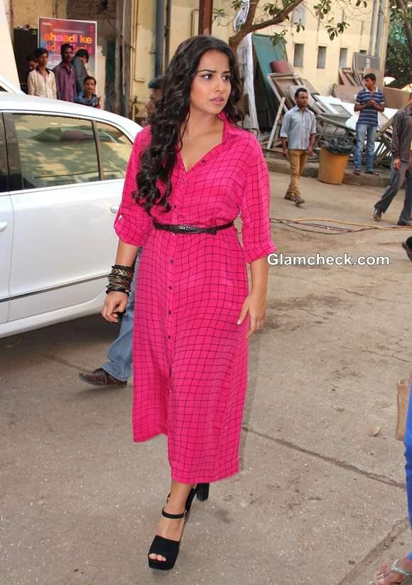 Vidya Balan Promotes Movie Shaadi Ke Side Effects