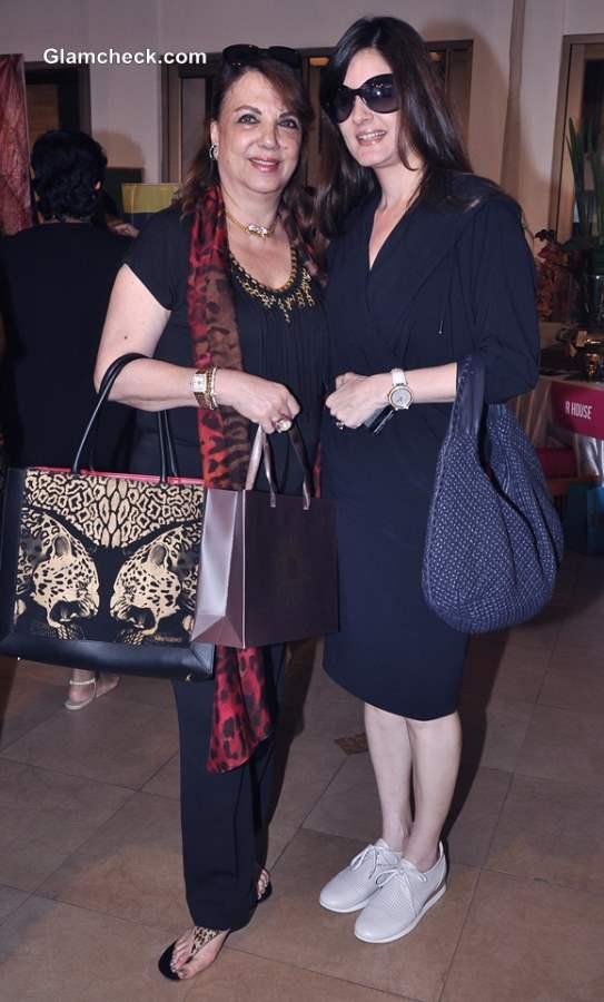 Zarine Khan with daughter Simone Khan Arora