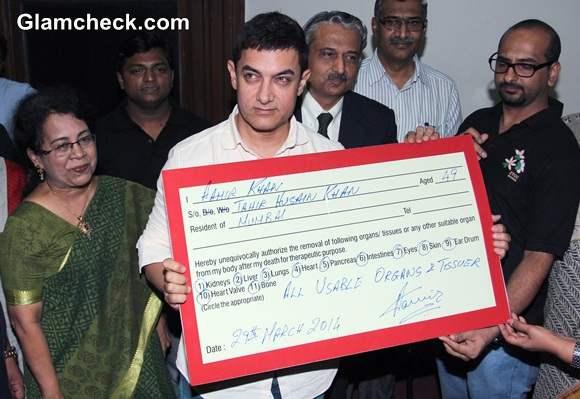 Aamir Khan Publicly Pledges his Organs