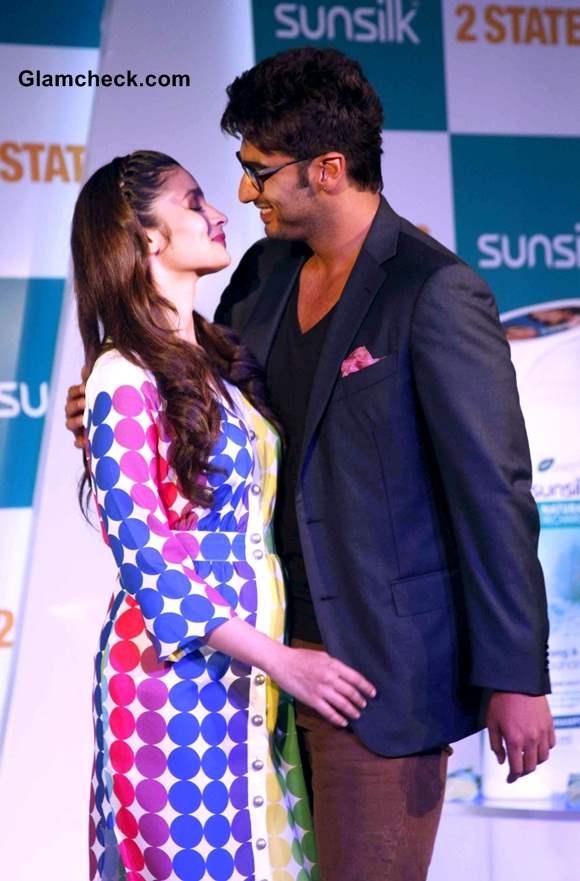 Alia Bhatt and Arjun Kapoor 2014 Promote  2 States