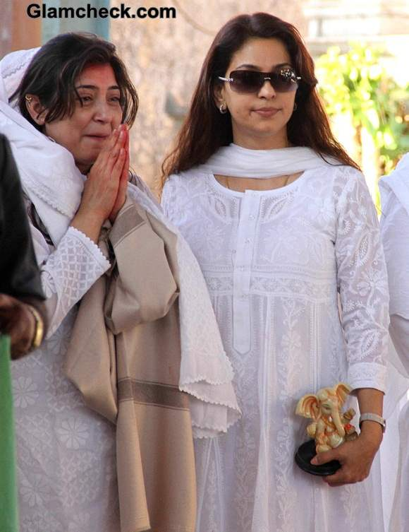 Celebs at Juhi Chawla brother Bobbys Funeral