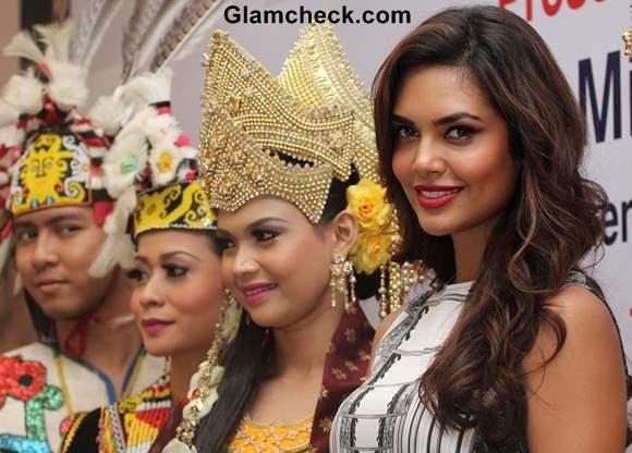 Esha Gupta Promotes Tourism Malaysia in Mumbai