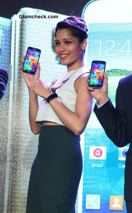 Freida Pinto 2014 at Samsung 5 Launch