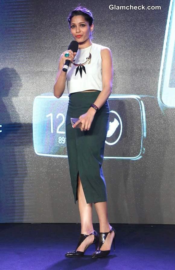 Freida Pinto in Nishka Lulla at Samsung 5 Launch