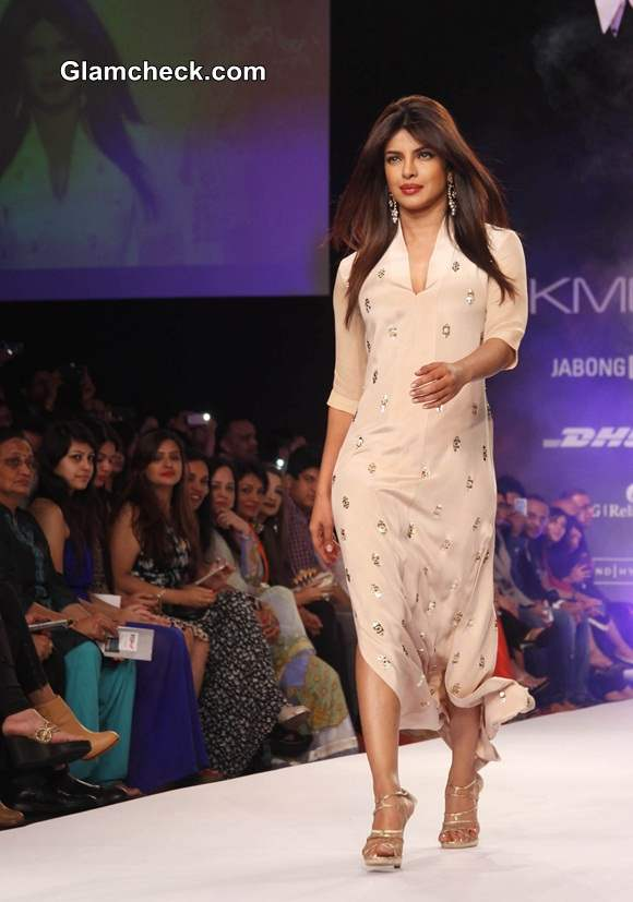 LFW S-R 2014 Priyanka Chopra for Neeta Lulla