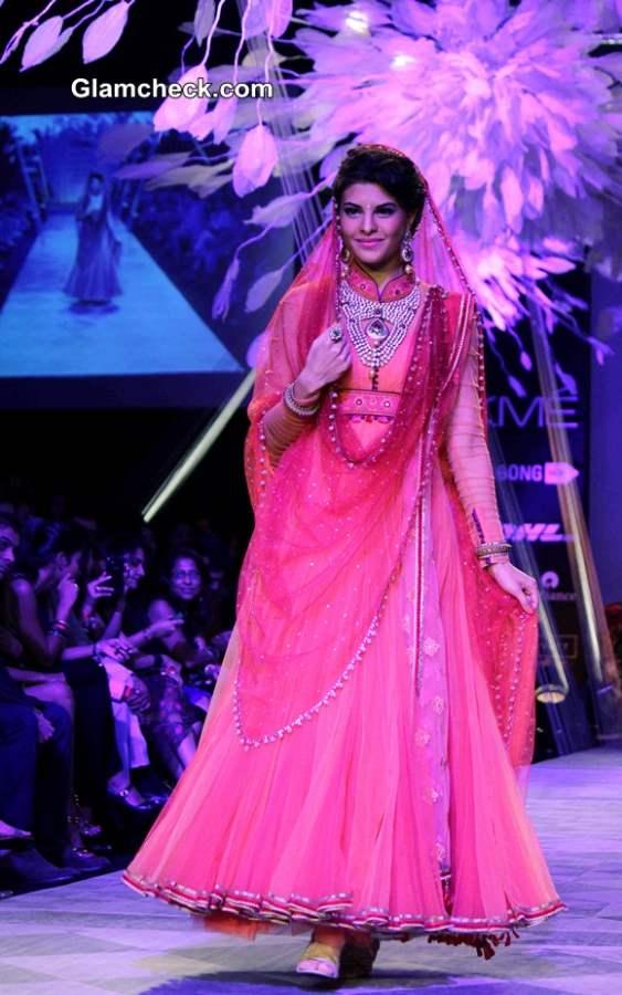 LFW SR 2014 – Day 2 Jacqueline Fernandez for Tarun Tahiliani