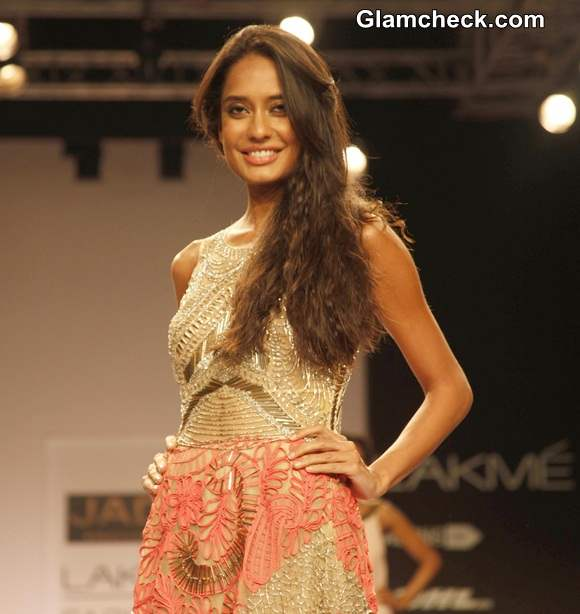 http://cdn.glamcheck.com/bollywood/files/2014/03/Lisa-Haydon-for-Monica-Karishma-Jade-at-LFW-S-R-2014.jpg