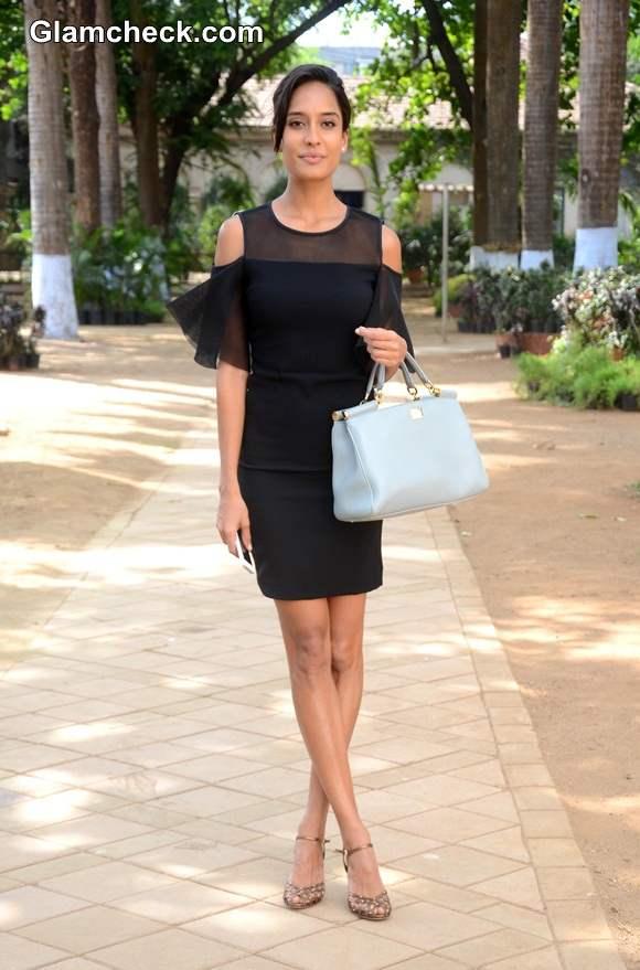 Lisa Haydon in Wendell Rodricks Black Dress