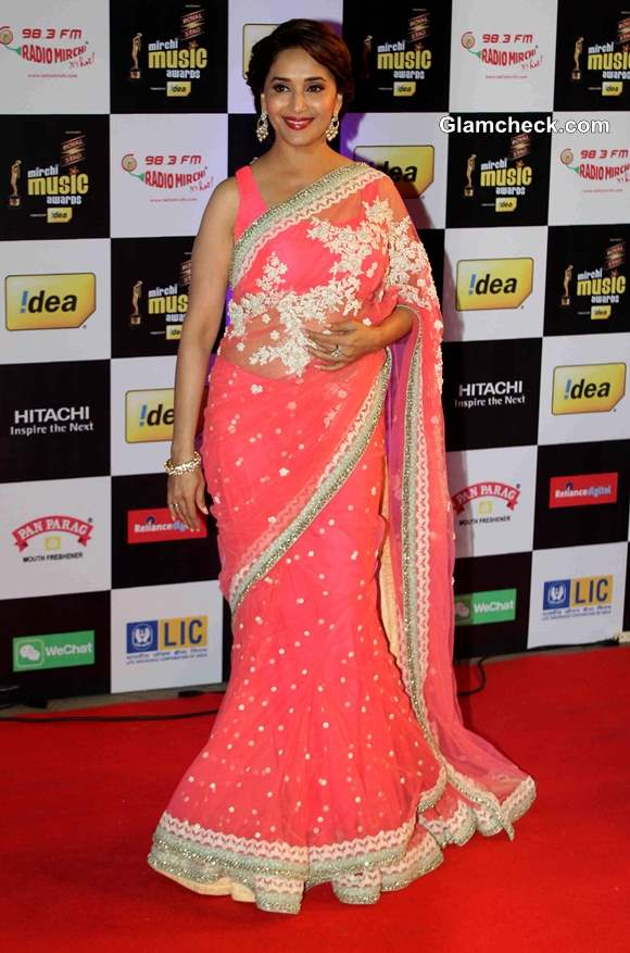 Madhuri Dixit Rocks a Sabyasachi Lehenega Sari at Mirchi Music Awards 2014