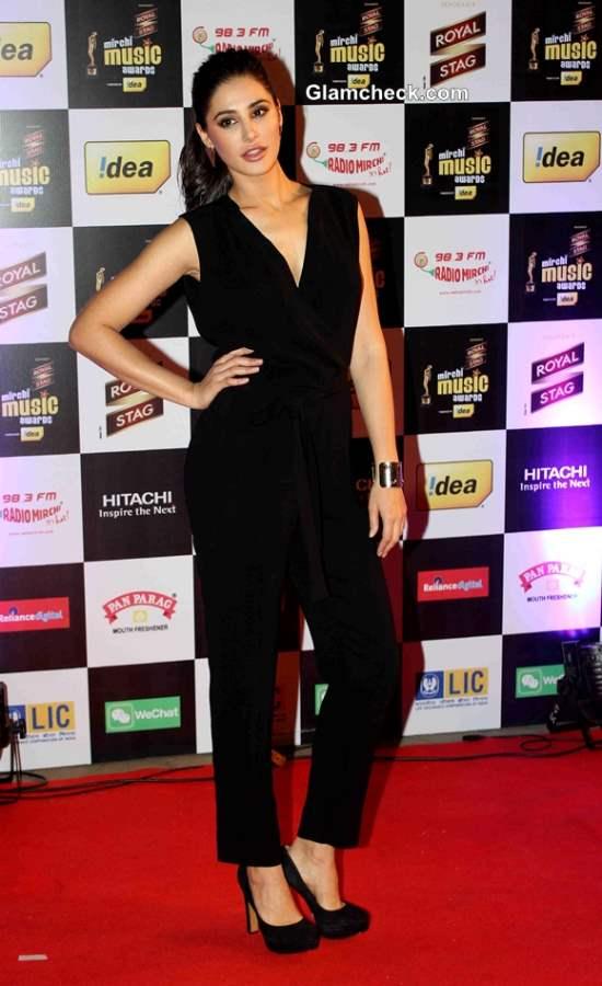 Nargis Fakhri 014 Mirchi Music Awards Red Carpet