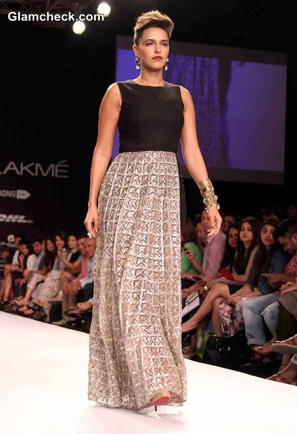 Neha Dhupia for Payal Singhal at LFW S-R 2014