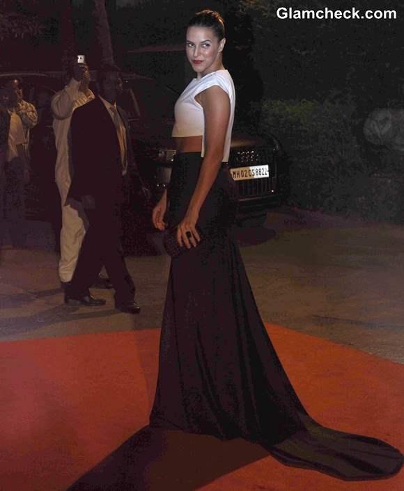 Neha Dhupia in DRVV  Ashish n Soni at LOreal Paris Femina Women Awards