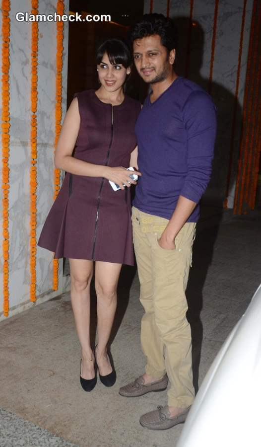 Reitesh Dshmukh with wife Jenelia