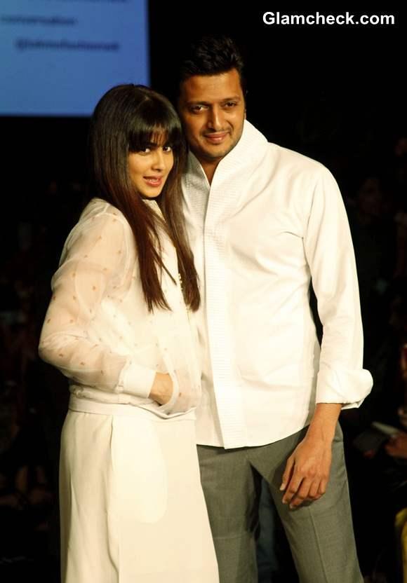 Riteish Deshmukh with his wife Genelia DSouza at LFW Summer-Resort 2014