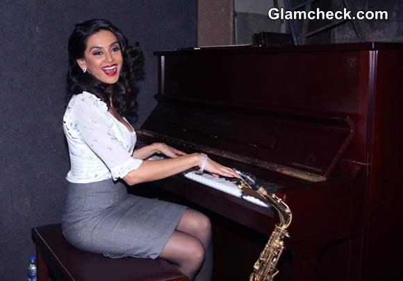 Shibani Dandekar 2014 Record New Song