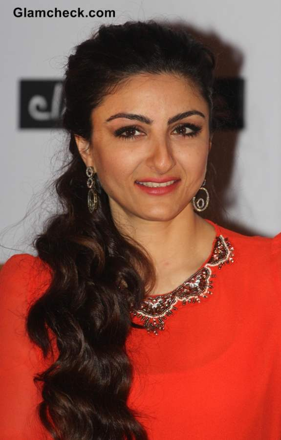Soha Ali Khan In Monochrome Skirt And Coral Blouse