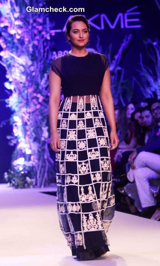 Sonakshi Sinha 2014 at Manish Malhotra Show LFW Summer-Resort