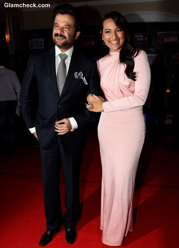Sonakshi Sinha with Anil Kapoor at 2014 HT Most Stylish Awards