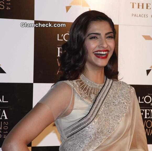 Sonam Kapoor 2014 at LOreal Paris Femina Women Awards