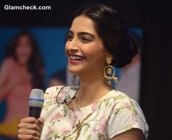 Sonam Kapoor Bewakoofiyan 2014