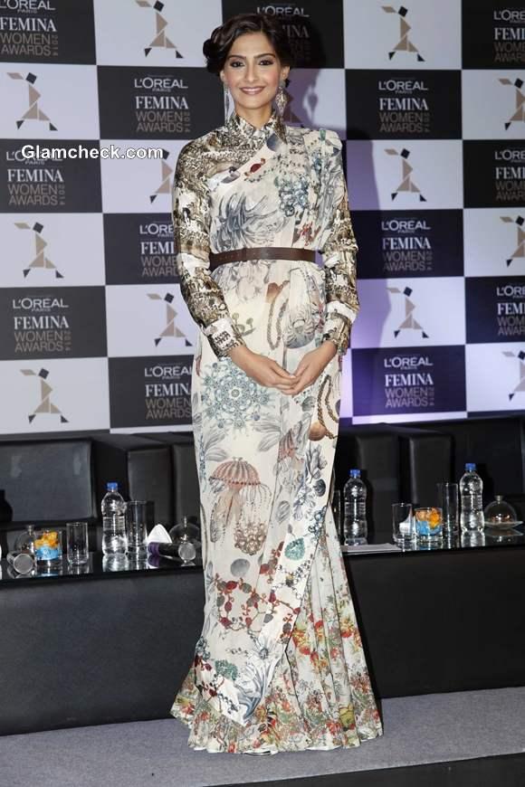 Sonam Kapoor in Anamika Khanna Announces LOreal Paris Femina Women Awards