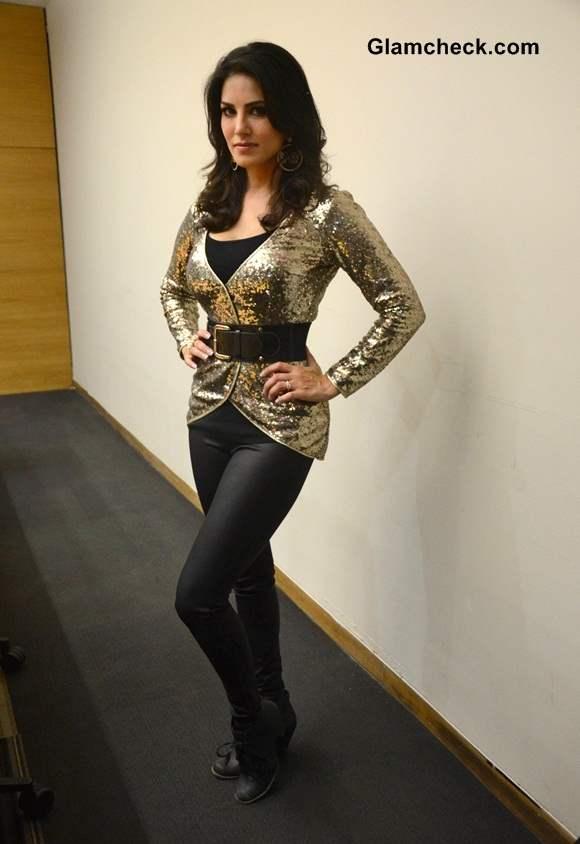Sunny Leone Sports Rohit Verma to Promote Ragini MMS 2 in Thane