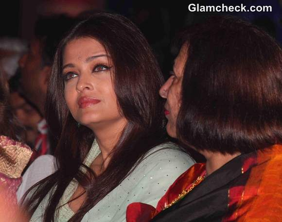 Aishwarya Rai Bachchan 2014 at Sri Sathya Sai Baba Concert