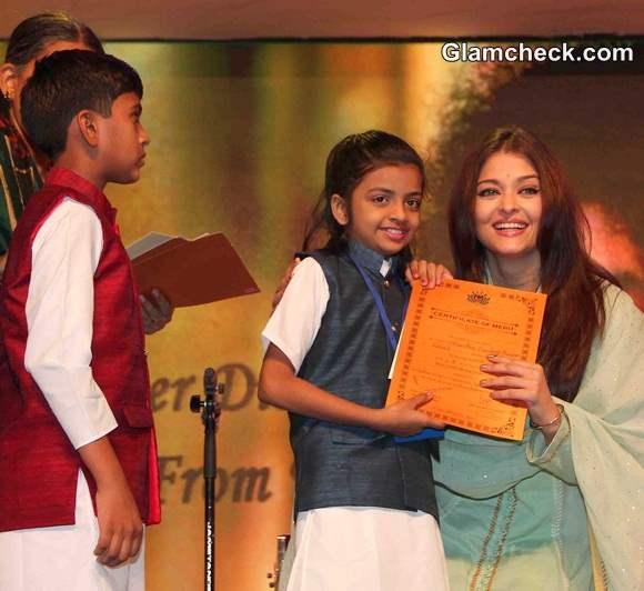 Aishwarya Rai Bachchan Guest of Honour at Sri Sathya Sai Baba Concert