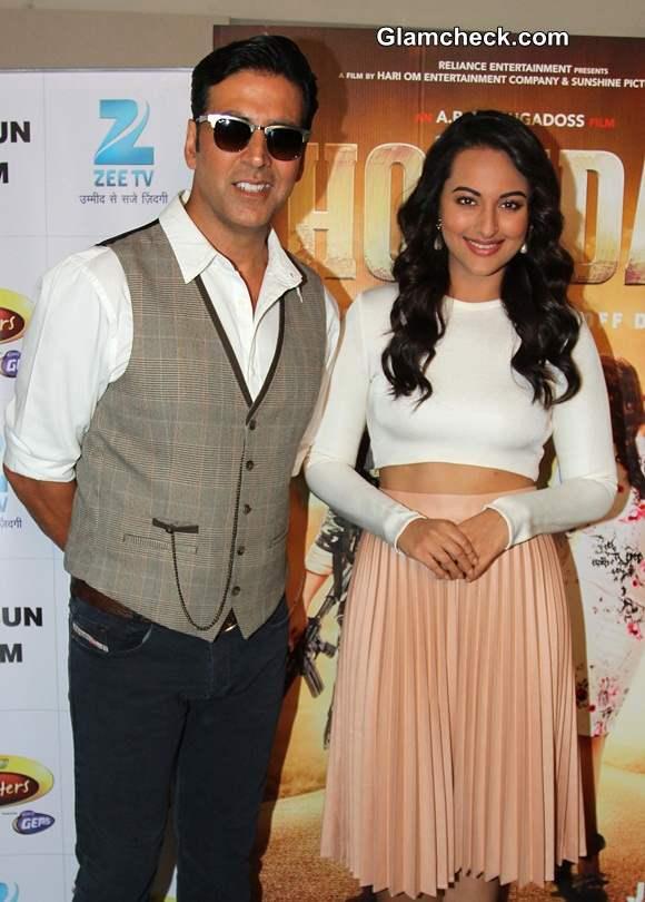 Akshay Kumar And Sonakshi Sinha Promote Holiday On Dance