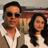 Akshay Kumar and Sonakshi Sinha Promote Holiday on Dance India Dance